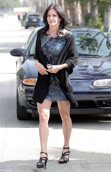 Courteney Cox in Courteney Cox on the Set of 'Cougar Town