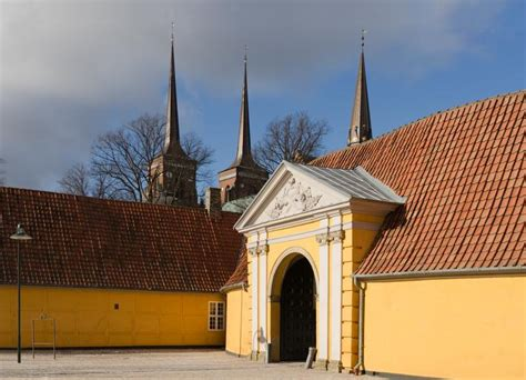 Free Images - roskilde palace towers domkirke