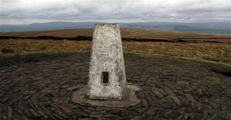 Pendle Hill | England | UK hills & mountain Guide